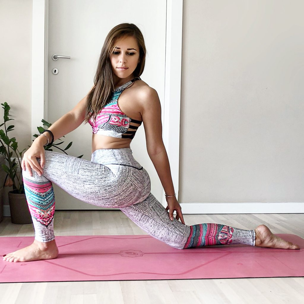 Power Yoga: Claudia Casanova